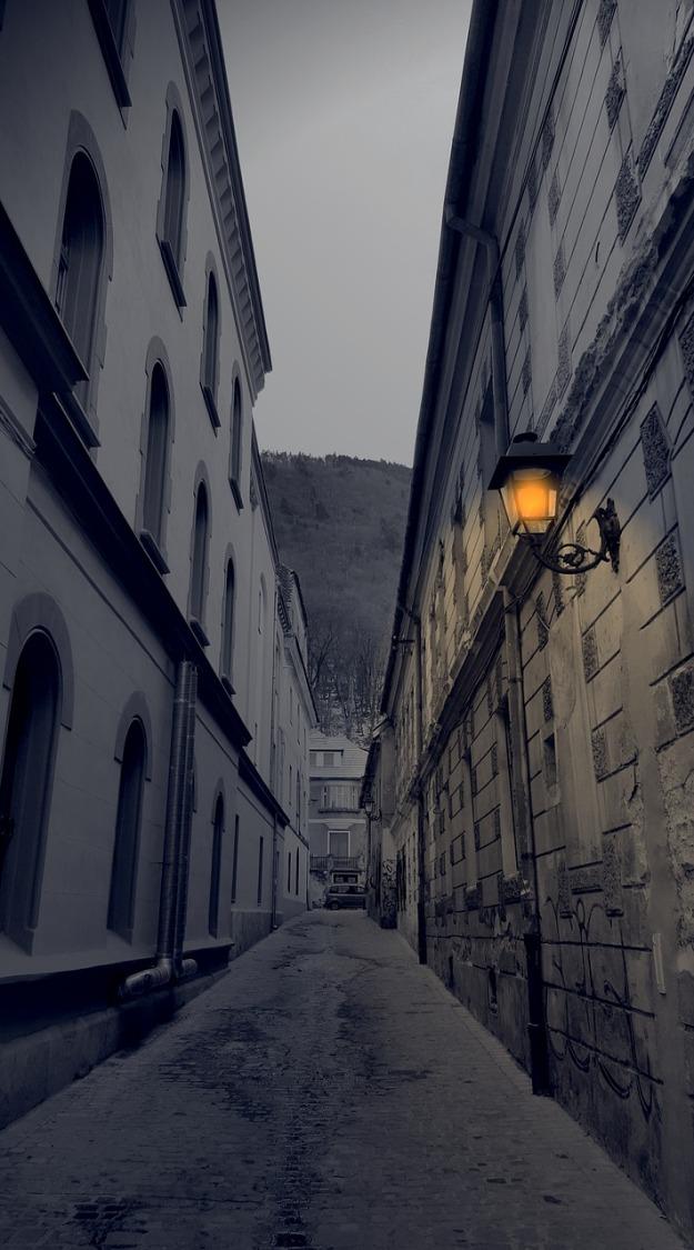 lantern-2109329_1280